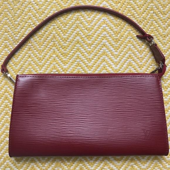 Louis Vuitton Handbags - Louis Vuitton EPI Pochette